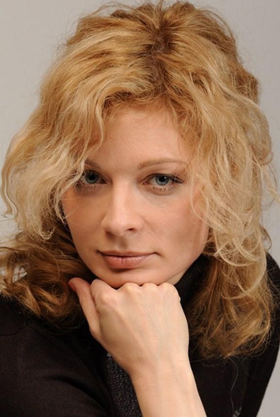 aleksandra belle femme russe de 46 ans agence matrimoniale univie. Black Bedroom Furniture Sets. Home Design Ideas