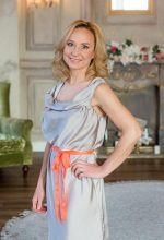 Agence matrimoniale rencontre de ANASTASSIA  femme russe de 50 ans