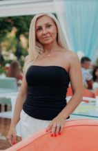 Agence matrimoniale rencontre de NADEZHDA  femme russe de 40 ans
