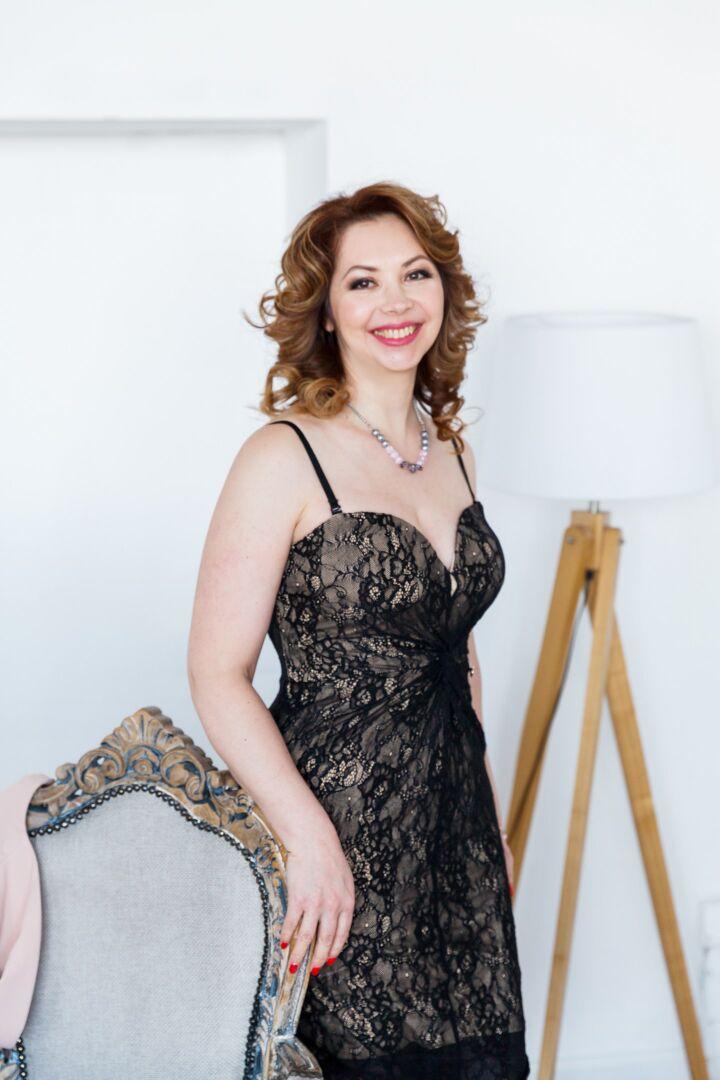 elena belle femme russe de 46 ans agence matrimoniale univie. Black Bedroom Furniture Sets. Home Design Ideas
