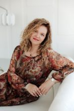 Agence matrimoniale rencontre de IULIIA  femme russe de 47 ans