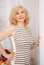 Agence matrimoniale rencontre de ANZHELIKA  femme russe de 56 ans