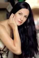 Agence matrimoniale rencontre de IULIIA  femme russe de 44 ans