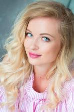 Agence matrimoniale rencontre de KSENIA  femme russe de 36 ans