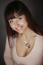 Agence matrimoniale rencontre de ELENA  femme russe de 58 ans