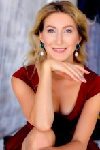 Agence matrimoniale rencontre de ELENA  femme russe de 40 ans