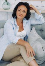Agence matrimoniale rencontre de ALIONA  femme russe de 50 ans