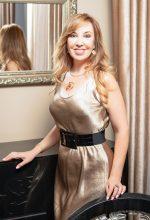 Agence matrimoniale rencontre de ALBINA  femme russe de 51 ans