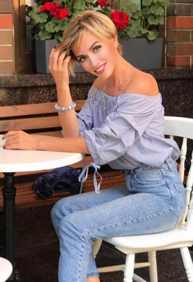 Agence matrimoniale rencontre de Tatiana  femme célibataire de 39 ans, Dieppe.
