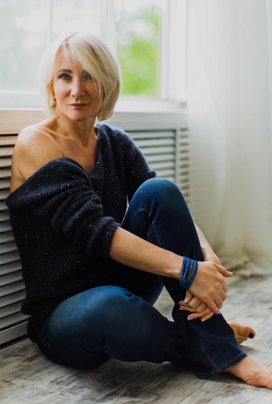 Agence matrimoniale rencontre de Valentina  femme célibataire de 54 ans, Châlon-sur-Saône.