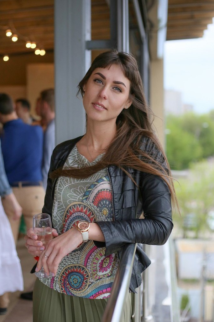 Agence matrimoniale rencontre de Yuliia  femme célibataire de 32 ans, Châlon-sur-Saône.