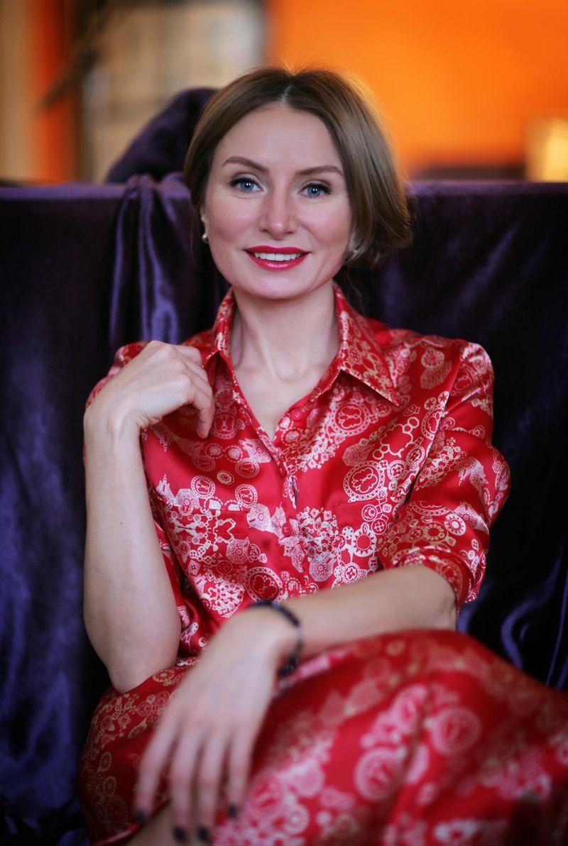 Agence matrimoniale rencontre de Natalia  femme célibataire de 48 ans, Dieppe.