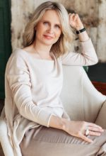 Agence matrimoniale rencontre de ELENA  femme russe de 55 ans