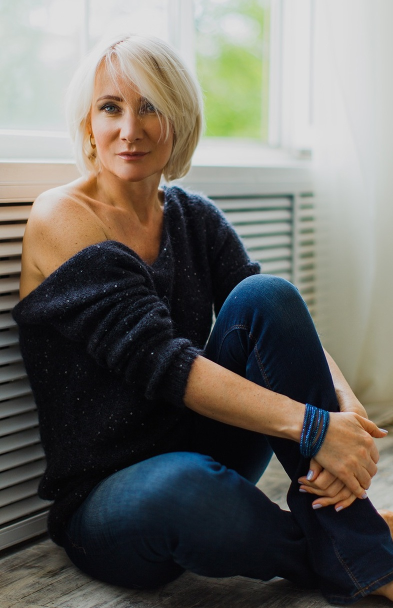 Agence matrimoniale rencontre de Valentina  femme célibataire de 54 ans, Normandie.