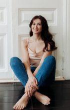Agence matrimoniale rencontre de OLESYA  femme russe de 30 ans