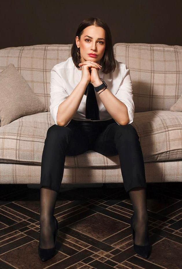 Agence matrimoniale rencontre de Kristina  femme célibataire de 40 ans, Saint-Germain-en-Laye.