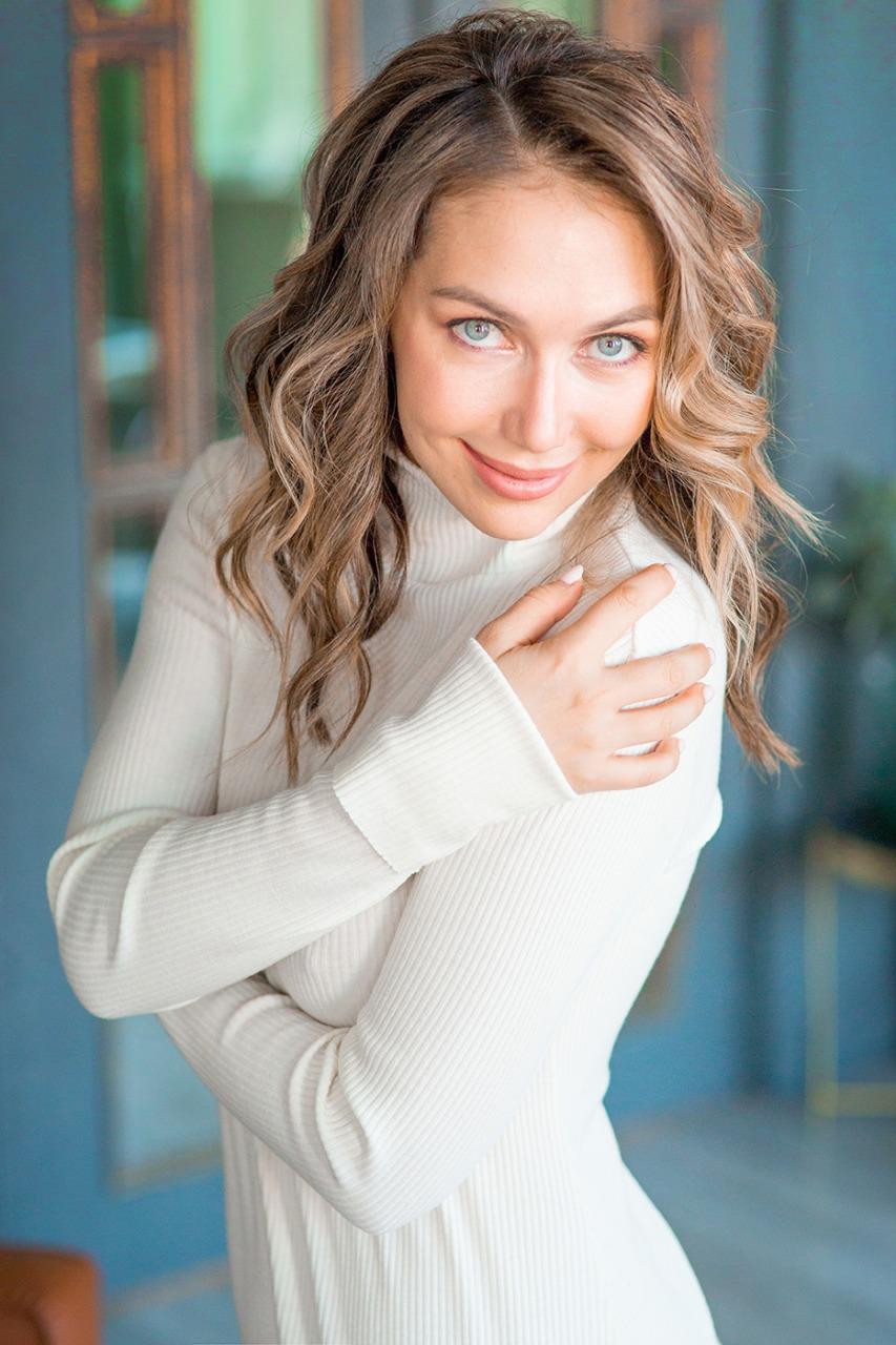 Agence matrimoniale rencontre de Elena  femme russe célibataire de 33 ans, Épinal.