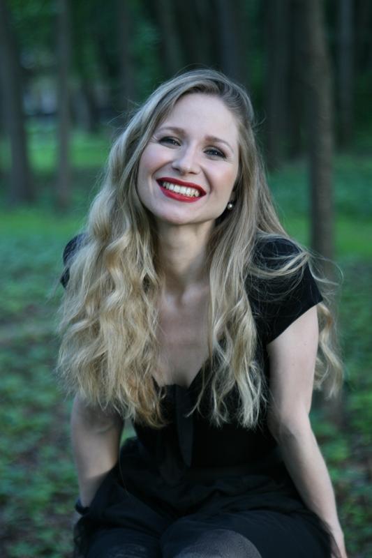 Agence matrimoniale rencontre de Irina  femme célibataire de 35 ans, Strasbourg.