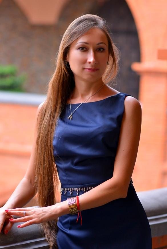 Agence matrimoniale rencontre de Natalia  femme célibataire de 40 ans, Aléria.