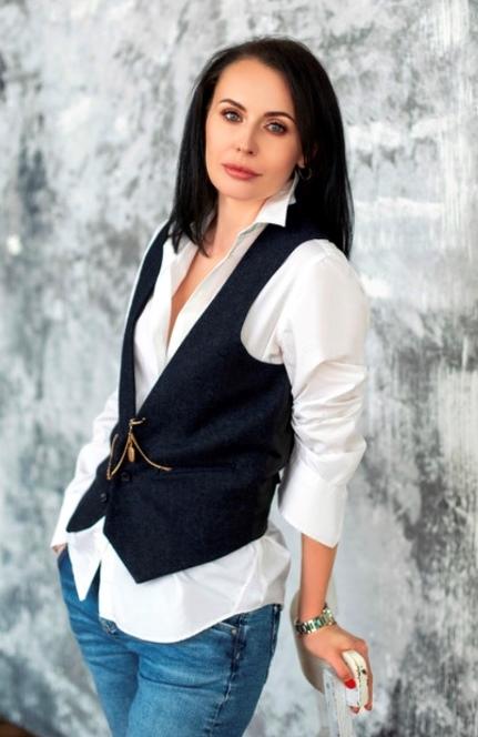 Agence matrimoniale rencontre de Alina  femme célibataire de 39 ans, Saint-Martin-D'Hères.