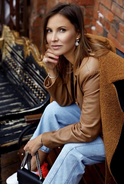 Agence matrimoniale rencontre de Elena  femme célibataire de 42 ans, Goussainville.