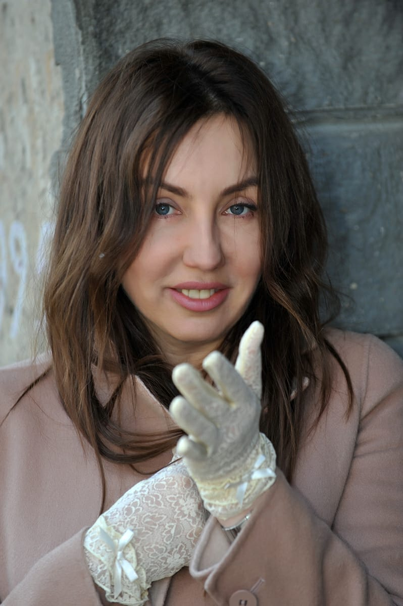 Agence matrimoniale rencontre de Oksana  femme russe célibataire de 47 ans, Aubagne.
