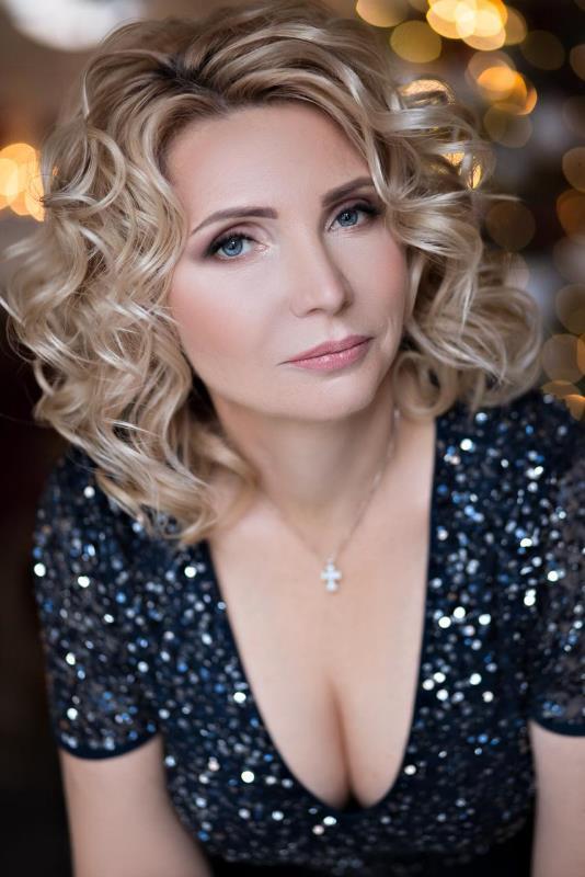 Agence matrimoniale rencontre de Tatiana  femme célibataire de 53 ans, Agen.
