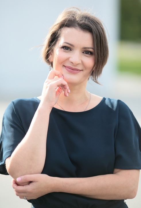 Agence matrimoniale rencontre de Veronica  femme célibataire de 41 ans, Agen.