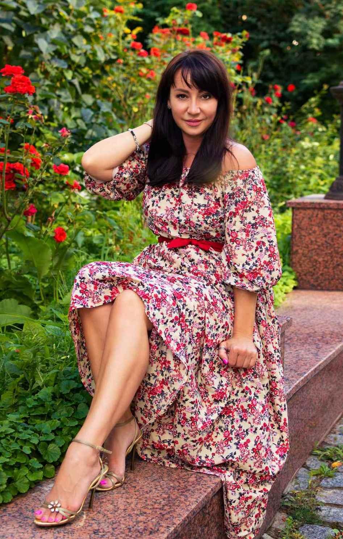 Agence matrimoniale rencontre de Natalia  femme célibataire de 49 ans, Anglet.
