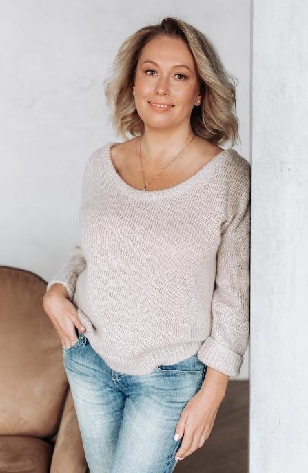 Agence matrimoniale rencontre de Natalia  femme célibataire de 50 ans, Anglet.