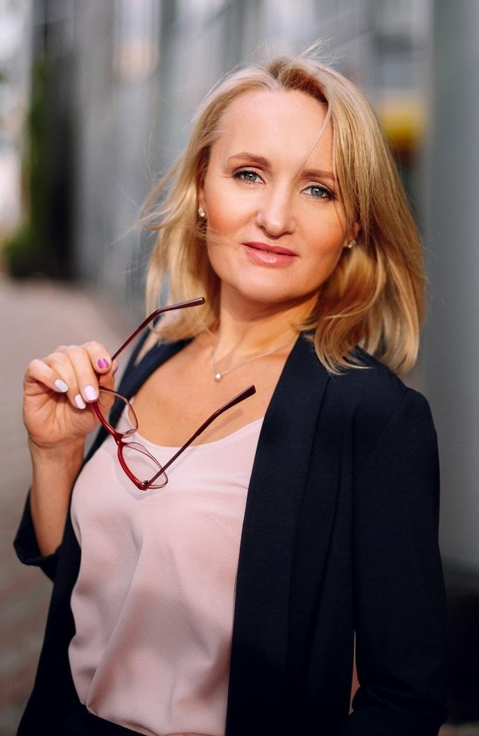 Agence matrimoniale rencontre de Aleksandra  femme célibataire de 43 ans, Rouen.
