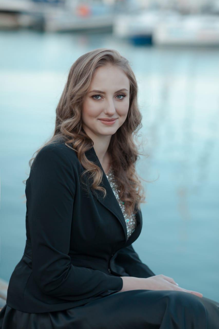 Agence matrimoniale rencontre de Aleksandra  femme célibataire de 30 ans, Rouen.