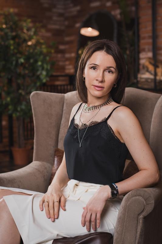 Agence matrimoniale rencontre de Irina  femme célibataire de 40 ans, Aquitaine.