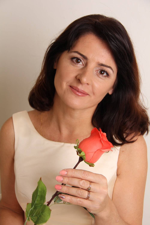 Agence matrimoniale rencontre de Larissa  femme célibataire de 50 ans, Martinique.